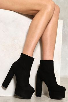 Up you style game with a boot that holds no limits. Designed in black, these shoes feature zip closures to the back ankle, round toe, and a platform and heel so high your legs will look endless. Shoes High Heels, Cute High Heels, Platform Shoes Heels, Fancy Shoes, Pretty Shoes, High Heel Boots, Stiletto Heels, Shoe Boots, Fashion Heels