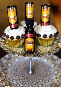 Boozy Cupcakes: Mudslide Cupcakes · Happily Hughes