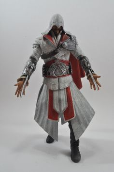 Assassin's Creed Ezio (Ivory Hooded) Figure Review http://wp.me/p2BqAk-Fh
