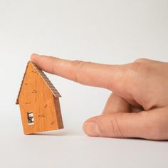Casa rural miniatura/Rural wooden dollhouse por Prettymodels Wood and paint.