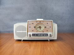 Mid Century GE Clock Radio C40A White | MCM Atomic Home Decor by FireflyVintageHome on Etsy