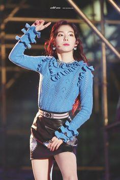 Irene red velvet South Korean Girls, Korean Girl Groups, Redvelvet Kpop, Red Velvet Irene, Stage Outfits, College Outfits, Woman Crush, Kpop Girls, Asian Girl