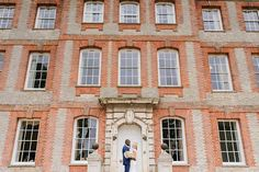 Loved the front of @ardingtonhouseoxford .. such a beautiful setting for Eddie and Vickis wedding   #ardingtonhouse #ardingtonhousewedding #oxfordwedding #mrandmrsod
