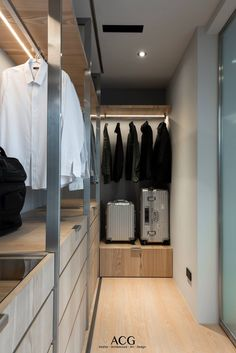 Wardrobe Behind Bed, Wardrobe Room, Wardrobe Design Bedroom, Luxury Bedroom Design, Wardrobe Storage, Home Room Design, Built In Wardrobe, Closet Bedroom, Walk In Closet Design