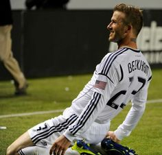 David Beckham with the LA Galaxy! Soccer Guys, Football Soccer, Football Players, Play Soccer, Z Cam, Attractive Men, Beautiful People, Gorgeous Men, Sexy Men