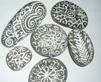 Totally Tutorials: Tutorial - How to Make Painted Stones