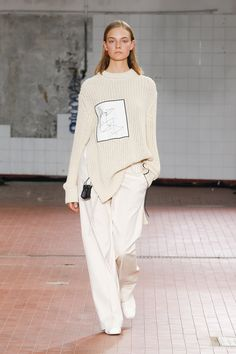 Jil Sander Spring 2019 collection for ready-made clothing: see the full J . knitted ideas Jil Sander Spring 2019 collection for ready-made clothing: see the complete J . Trend Fashion, Fashion Moda, Fashion Week, Runway Fashion, Spring Fashion, High Fashion, Winter Fashion, Fashion Outfits, Fashion Tips