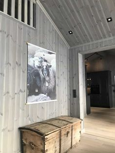 Eikås-hytte i Trysil - Vyrk Scandinavian Cabin, Mountain Decor, Wooden Walls, Garage Doors, Rustic, Interior Design, Outdoor Decor, Sunroom Ideas, Home Decor
