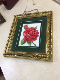 Goblen kanevice tepsi Cross Stitch Borders, Cross Stitch Patterns, Salons, Mary, Flowers, Trays, Lounges, Royal Icing Flowers, Flower