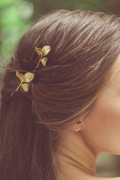 Hey, I found this really awesome Etsy listing at https://www.etsy.com/listing/202997062/grecian-leaf-hair-clips-gold-leaf-bobby