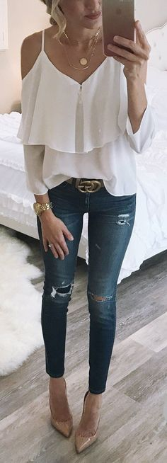 #summer #outfits Sunday Night... #ootn My Top Is $35 And Comes In One Other Color. And These Jeans Have Been On Repeat. They Are So Good. I Hope You All Had A Good Weekend. // White Cold Shoulder Tank + Ripped Skinny Jeans + Nude Pumps