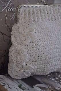 Bolso tejido en Crochet.