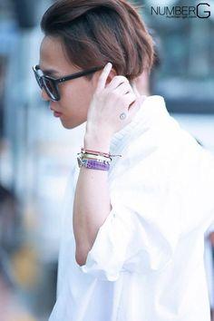 Ji-yong's Babe 💋: Photo G Dragon Cute, G Dragon Top, G Dragon Fashion, Bigbang G Dragon, Dragon Birthday, Ji Yong, Big Bang, Last Dance, Airport Style