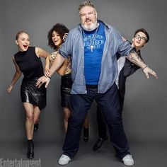 """#HODOR! #GameOfThrones' Kristian Nairn (who played Hodor) for six seasons before his sacrifice beyond the Wall, held nothing back at #SDCC! """"I think the Throne's probably not going to be important by the end of the show, but Brienne would be a good queen."""" ❤️🔥👑 📷: @matthiasclamer"""