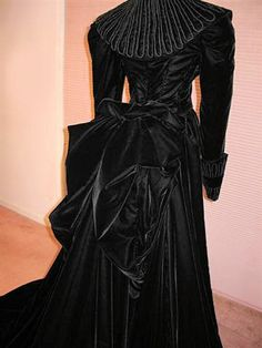 "Back of the ""Frankly My Dear......."" Mourning Dress"