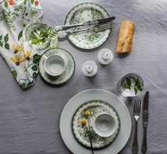 Floral table set up by @marcelkaaa