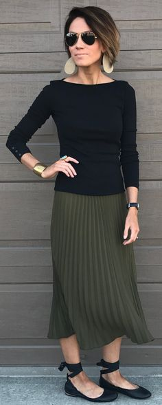 Black Knit / Green Pleated Maxi Skirt / Black Pumps