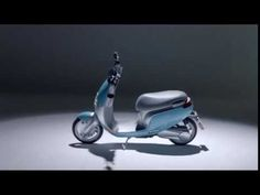 Le scooter électrique e-Cooter sera disponible chez AC-Emotion dès mars 2018.    Ce scooter dispose d'une batterie au lithium (32Ah) amovible lui conférant une autonomie de 75 km environ.     Côté moteur, ce scooter dispose d'un couple de 150Nm et accélère de 0 à 40 km / h en 4,5 secondes.   Sa vitesse maximale est de 45 km/h, conformément à la législation française (pour un équivalent 50 cm3).      AC-Emotion sur YouTube