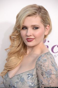 Abigail Breslin, I WOULD LOVE TO MEET HER! :) So that I could cut her hair, and breke her nails to put them into her butt.   Michael (and his hair) is perfect why do that disturb you so much?