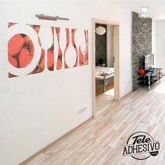 Silueta fotomural cuadro cocina con relleno fotográfico #fotomural #vinilo #pared #TeleAdhesivo #cocina #fresas #platos #deco Relleno, Home Decor, Dishes, Cooking, Silhouette, Adhesive, Strawberry Fruit, Picture Wall, Vinyls