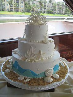 beach themed wedding cake<3