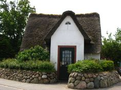 Small Traditional House A Thatched-Roof House in the Old Village of Kampen, Sylt. Germany