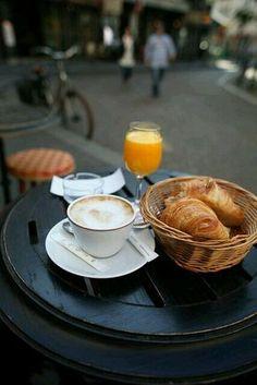 Un cafe...