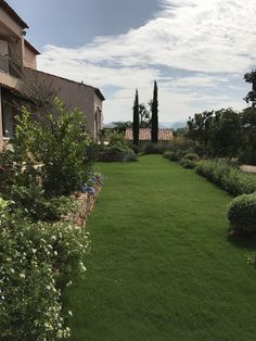 Provence garden in Khaoyai Thailand Provence Garden, Golf Courses, Thailand, Mansions, Landscape, House Styles, Scenery, Manor Houses, Villas