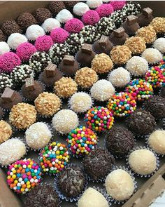 Bake your favorite treats with our many sweet recipes and baking ideas for desserts, cupcakes, breakfast and more at Cooking Channel. Just Desserts, Delicious Desserts, Dessert Recipes, Dessert Food, Chocolate Sweets, Chocolate Lovers, Picnic Snacks, Arabic Sweets, Food Wallpaper