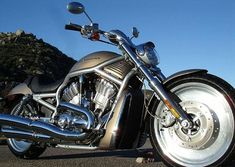I love this beautiful motorcycle ( bike ) Harley-Davidson USA. What do you think? Feel free to LIKE/COMMENT