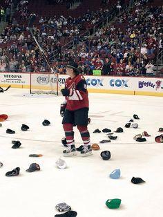 Shane Doan amid a sea of hats! Shane Doan, Coyotes Hockey, Arizona Coyotes, Cox And Cox, Season Ticket, Hockey Stuff, Nhl, Basketball Court, Baseball Cards