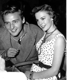 Dennis Hopper and Natalie Wood - Rebel Without a Cause.....Uploaded By www.1stand2ndtimearound.etsy.com