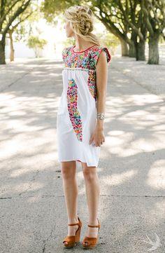 Mi Golondrina Mexican Dress Embroidery// Photographer Kelsey Foster kelseyfoster.co