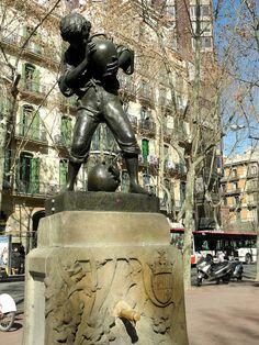 Font del nen del càntir - La meva Barcelona ∞  font moderniste de Josep Campeny i Santamaria.