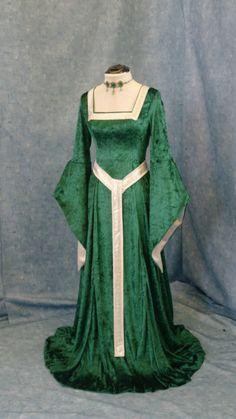 ELVEN DRESS medieval renaissance fairy dress by camelotcostumes Renaissance Fairy, Renaissance Fair Costume, Renaissance Dresses, Medieval Costume, Medieval Dress, Medieval Fashion, Medieval Clothing, Steampunk Clothing, Medieval Gothic