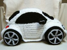 Crocheting: Crocheted Beetle Car.