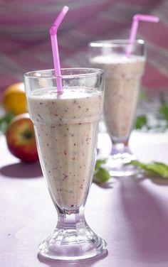 Ren energi og sundhed på den lækre måde Juice Smoothie, Smoothie Drinks, Party Desserts, Frappe, Nutribullet, Glass Of Milk, Brunch, Food And Drink, Dinner
