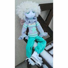 Ангел текстильный, 50 см, уверенно сидит, одежда не снимается. Может исполнять желания - у него есть волшебная штука  dreammaker)))