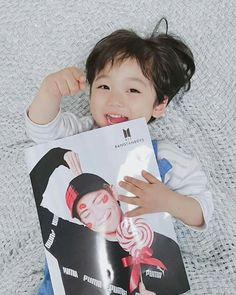 👌❤❤❤ Cute Baby Boy, Cute Little Baby, Cute Boys, Little Ones, Baby Kids, Cute Asian Babies, Korean Babies, Asian Kids, Cute Babies