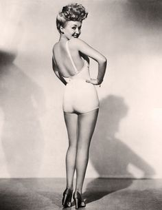 "Vintage Icon: Betty Grable, blonde bombshell of musical comedy ""Coney Island"" - circa 1940s    http://www.wolfandwillowblog.com/2010/09/vintage-icons-betty-grable.html"
