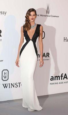 Izabel Goulart Black&white dress