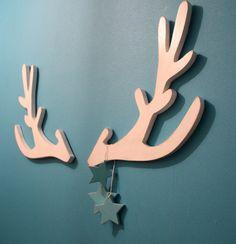 trophée tête de cerf blanc  stylisé en bois pour par mylittledecor