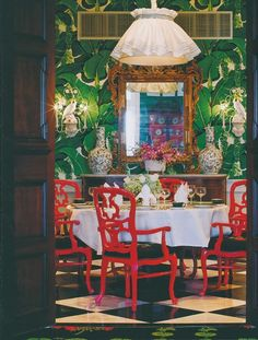 The Peak of Chic®: Decorating in the Grand Manor