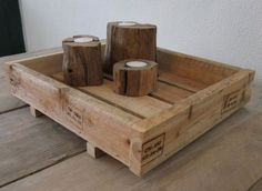 Stoer dienblad gemaakt van pallet hout.
