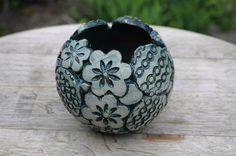 Gartenkugeln & -stelen - Pflanzkugel-Keramik--Jadegrün - ein Designerstück von Kunst-und-Keramik bei DaWanda