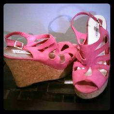 Steve Madden Wedge Sandals Shoes 9 Pink wedge open toe size 9 Steve Madden Shoes Wedges