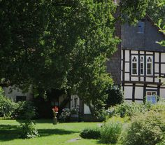 Enclos abbatial, abbaye de Fischbeck (XIIe-XIIIe), Hessissch Oldendorf, Hamelin-Pyrmont, Basse-Saxe, Allemagne. | par byb64