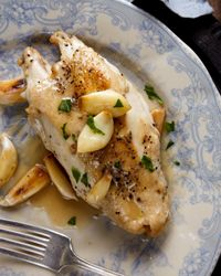 Rustic Garlic Chicken - this recipe from Food & Wine is a perfect idea for those pesky weeknights, pair all that tasty garlic flavor with a glass of St. James Winery Cynthiana
