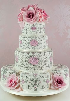 This cake is entirely hand painted with edible ink and it is inspired by ornaments and frescoes of XVIII century French Rococo Aline Click pic for more info