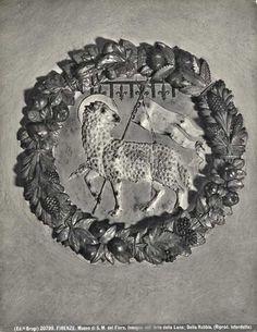 Brogi , Firenze. Museo di S. M. del Fiore. Insegna dell'Arte della Lana; Della Robbia. - insieme